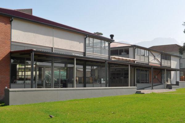 Academia Hall 1